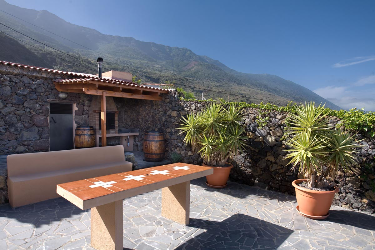 villa la hiedra el hierro ferienhaus mit pool gomera individual. Black Bedroom Furniture Sets. Home Design Ideas