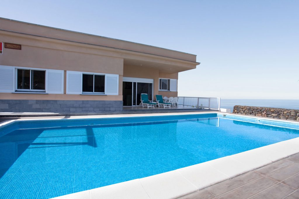 holiday home with pool, El Hierro